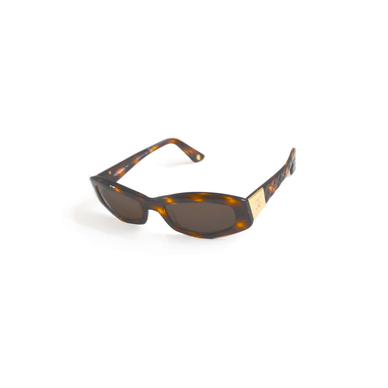 Chanel Chunky Tortoiseshell sunglasses vintage | NITRYL