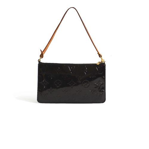 Vintage Louis Vuitton Vernis Pochette in Black   NITRYL