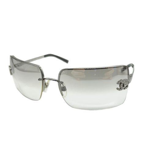 Vintage Chanel Diamante Rimless Sunglasses in Silver | NITRYL