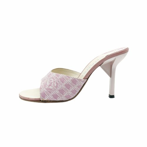 Vintage Chanel Heeled Slip On Sandals in Baby Pink Size 3 | NITRYL
